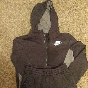 Boys Nike Sweatoutfit